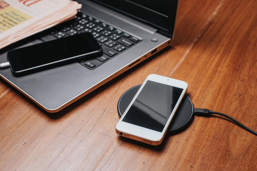 【25ホテル】ワイヤレス充電器