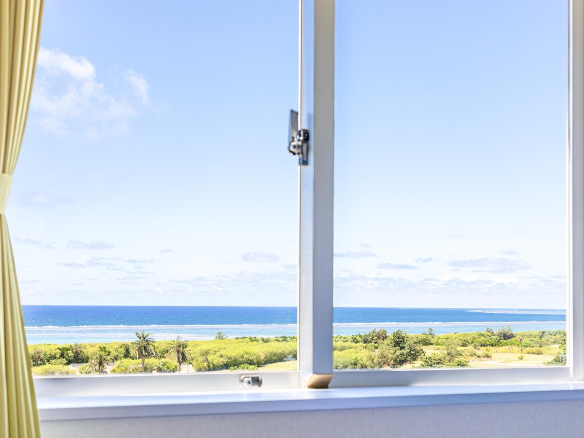 【客室からの眺めの一例】海側の客室からは石垣島の青い海をご覧いただけます。※眺めの一例です。
