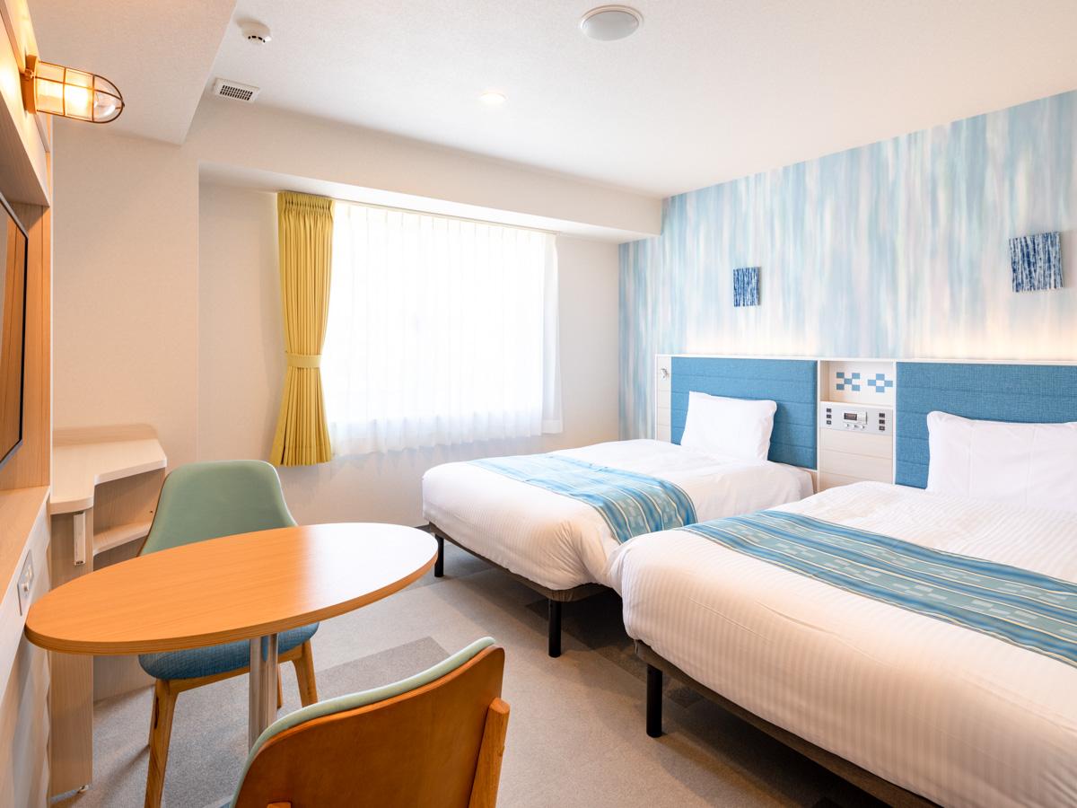 【ツインスタンダード1】ベッド幅123cm◆オリジナル快眠枕◆Wi-Fi対応◆スマホ充電にも便利な枕元コンセント完備